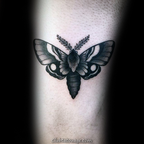 Upper Retour Moth Mens Old Tattoo Designs école