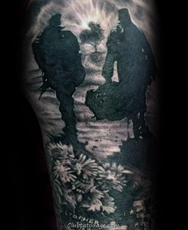 Poutre acier Avec religieuse Écriture Homme Memorial Tattoo