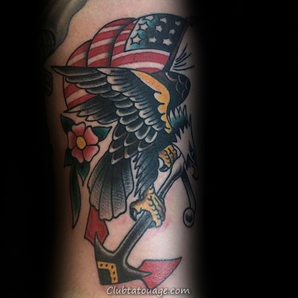 américain patriotique d'ancrage traditionnel Hommes Arm Tattoos