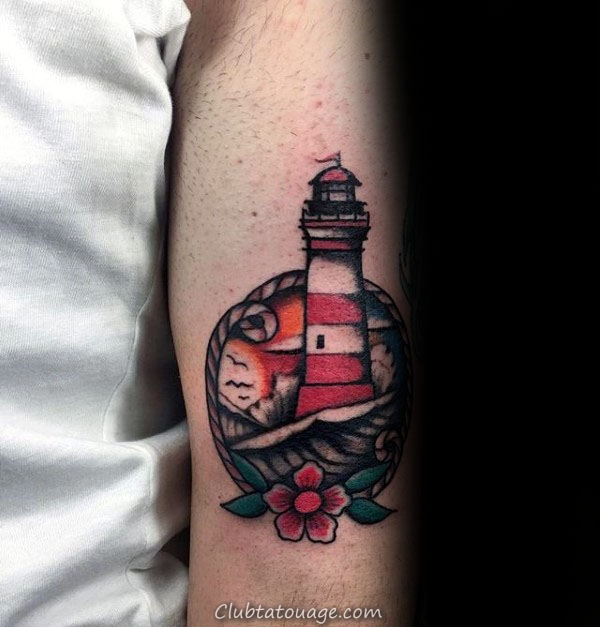 Phare Impressionnant Tricep traditionnel Homme Tattoo Designs