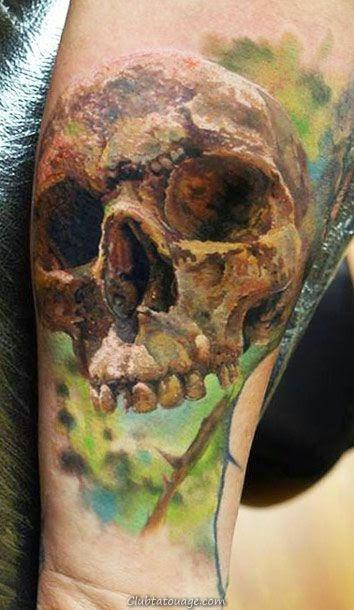 crânes spectaculaires tatouages sur la peau des modèles