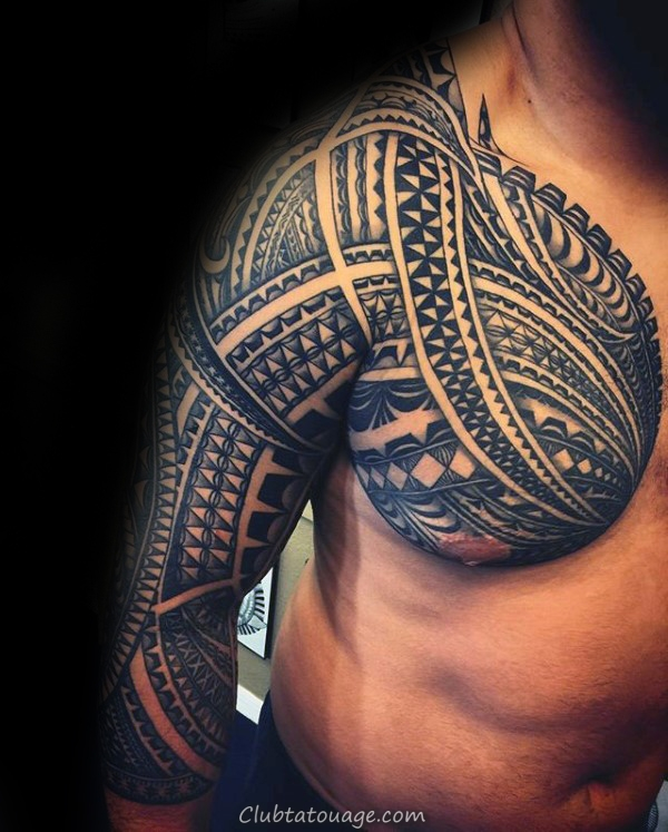 incroyable Hommes samoan manches et la poitrine Tatouages