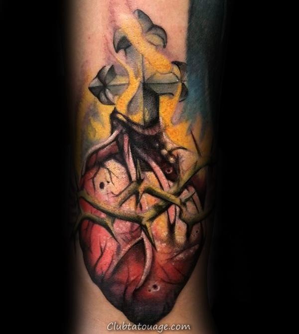 Gentleman Avec Tattoo Sleeve coeur catholique thème sacré Forearm