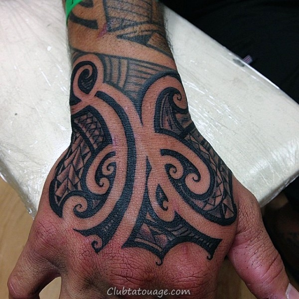 Bouclier Avec samoan tribal design Mens Chest Et Tattoo Sleeve Half