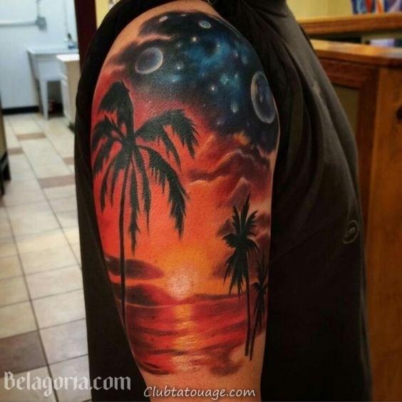 Un tatouage de paysage hawaïen