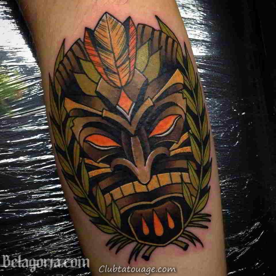 Un tatouage hawaïen-Tiki