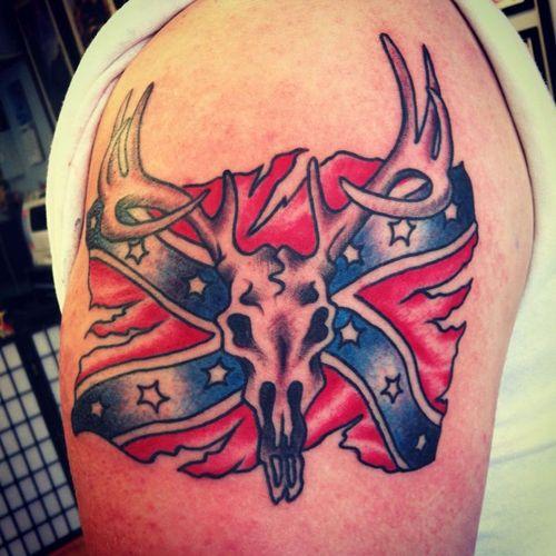 30 dessins de tatouages de crâne de cerf avec le sens