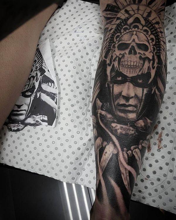 Des motifs uniques de tatouages aztèques pour hommes et