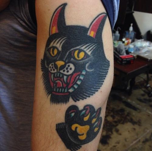 tatouages de chat noir dans des styles diff rents club tatouage. Black Bedroom Furniture Sets. Home Design Ideas