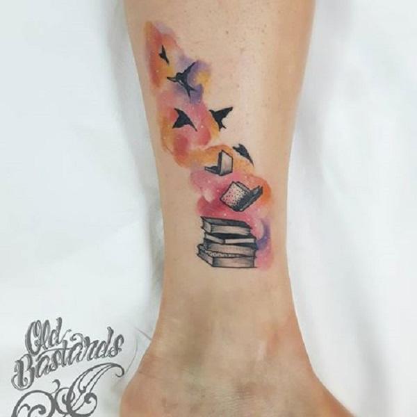 45 idées étonnantes de tatouage de livre