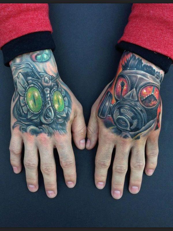 Tatouage biomécanique à deux mains