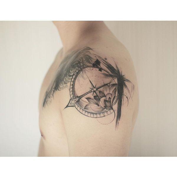 Idées de tatouage de boussole avec significations et coordonnées tatouages