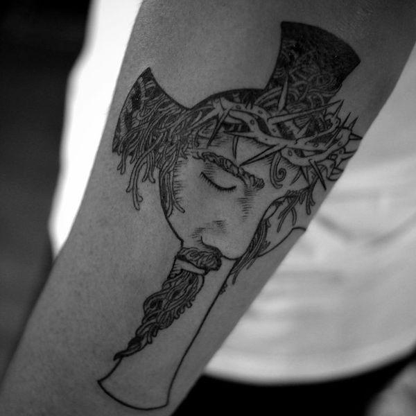 Dessins de tatouage croisés étonnants pour les hommes et les femmes