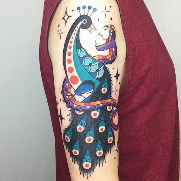 Paon incroyable avec des idées de tatouage de plume pour les hommes et les femmes