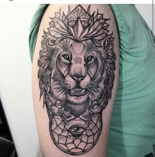 Les idées de tatouage de l'épaule du lion