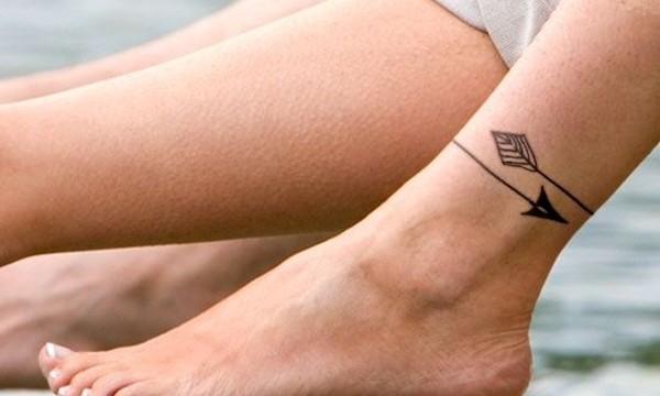 100 petits modèles de tatouage mignon pour les pieds des filles