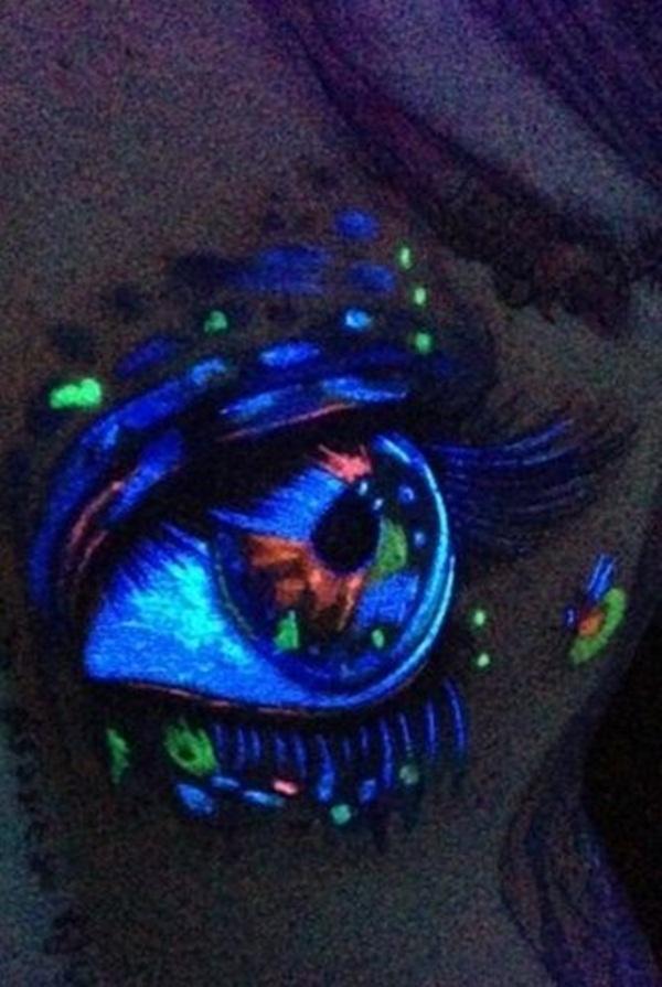 98 Tatouages Glowing Blacklight: Ajoutez de l'intensité à votre encre
