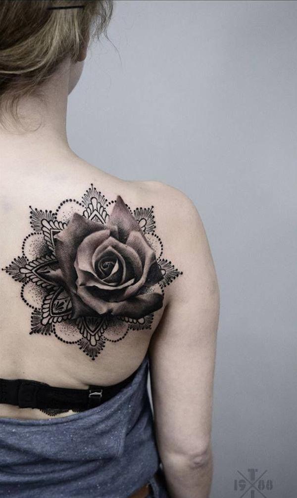 mandala avec tatouage rose