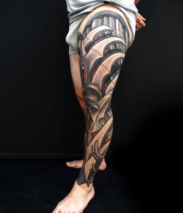 Tatouage biomécanique des jambes