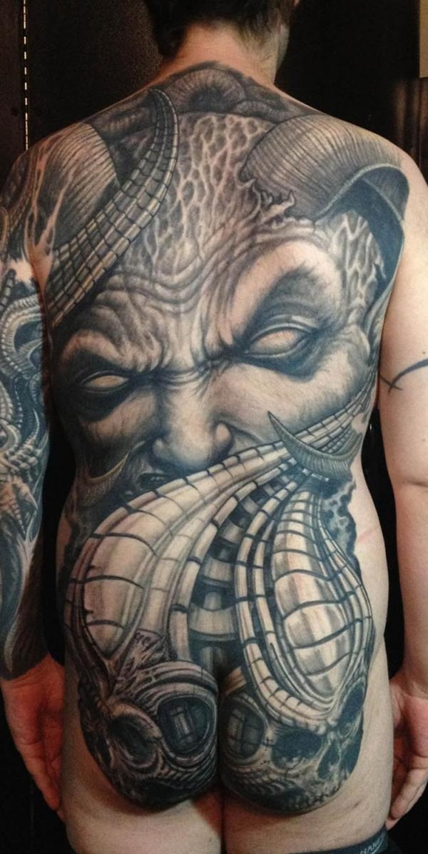 Conceptions et thèmes de tatouage arrière complet 3