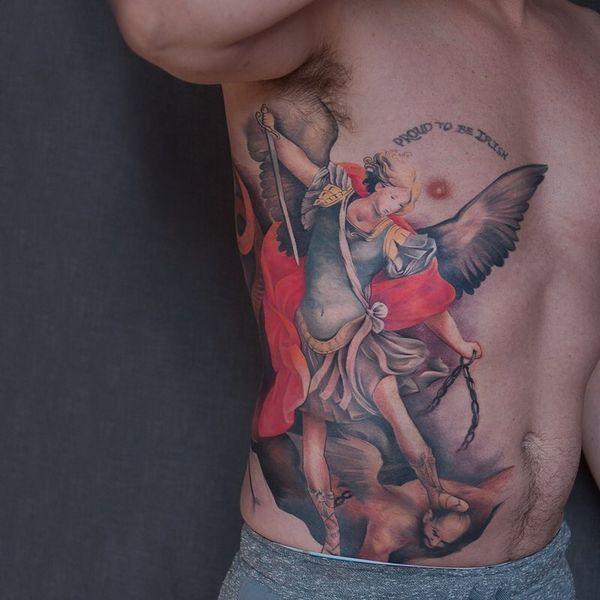 Intéressant tatouages St. Michael avec des significations fortes