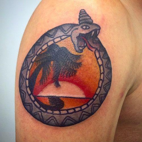 Conceptions traditionnelles de tatouage de serpent
