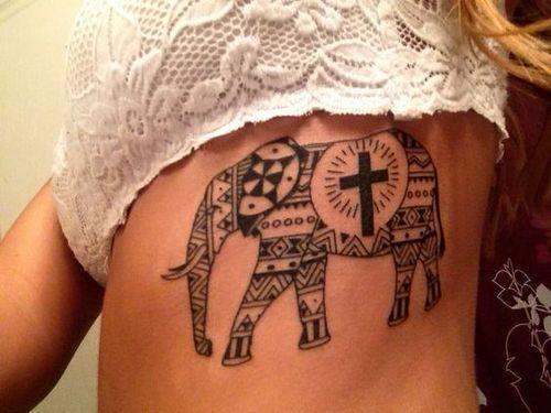 Tatouages tribal d'éléphant