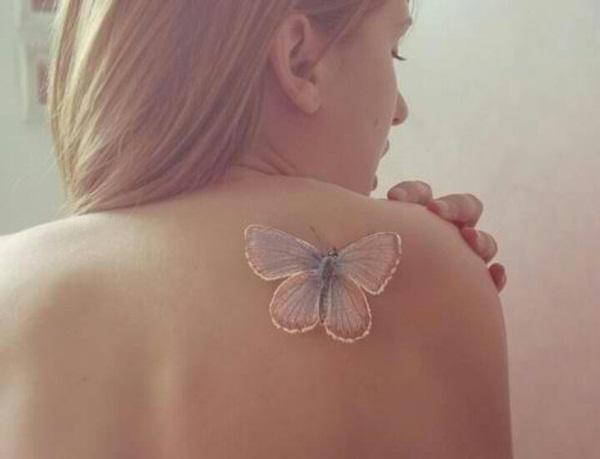 Tatouage papillon 3D blanc